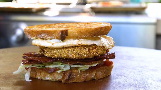 Sandwich BLT (Bacon, Laitue, Tomate) revisité